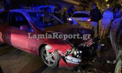 Λαμία: Σφοδρή σύγκρουση τριών αυτοκινήτων μέσα στην πόλη