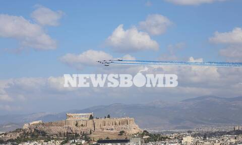 Τα γαλλικά Rafale σχημάτισαν την ελληνική σημαία στον ουρανό της Αττικής (pics+vids)