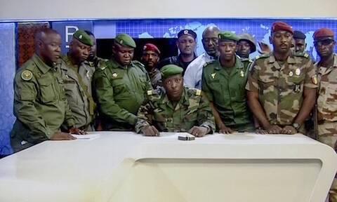 Πραξικόπημα από μονάδα ειδικών δυνάμεων στη Γουϊνέα: Ο πρόεδρος στα χέρια επίλεκτων στρατιωτών
