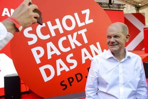 Γερμανία: Διευρύνεται το προβάδισμα του SPD έναντι του CDU - Νέα πτώση για τους Πράσινους