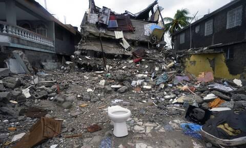 Σεισμός στην Αϊτή: 2.248 νεκροί και 329 αγνοούμενοι - Σταμάτησαν οι επιχειρήσεις διάσωσης