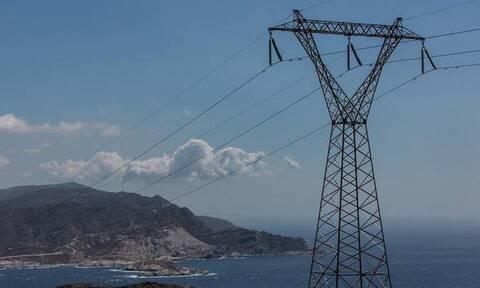 Αύξηση τιμών στο ηλεκτρικό ρεύμα: Τα μέτρα που εξετάζει το υπουργείο Περιβάλλοντος
