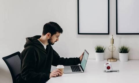 Προσοχή: Καθημερινά λάθη που μπορεί να σου κοστίσουν τη δουλειά σου