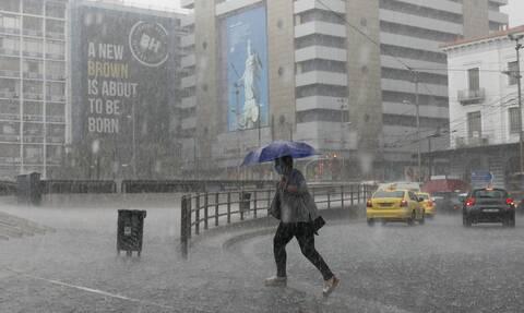 Καιρός: Έντονες καταιγίδες φέρνει η νέα «ψυχρή» λίμνη – Σε ποιες περιοχές απαιτείται επαγρύπνηση