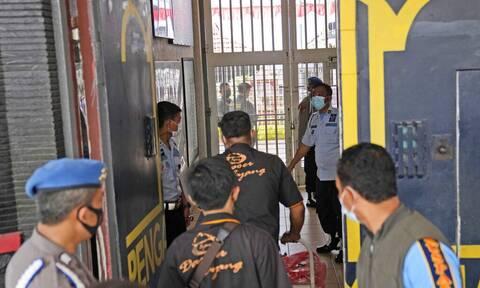 Αδιανόητη τραγωδία στην Ινδονησία: Τουλάχιστον 41 νεκροί από φωτιά σε φυλακή – Συγκλονιστικά βίντεο