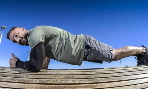 Ασταμάτητος: Ο τύπος γυμναζόταν 9 ώρες σερί! (vid)