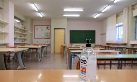 Ο ΣΥΡΙΖΑ κρούει τον κώδωνα του κινδύνου για το άνοιγμα των σχολείων – Να ληφθούν όλα τα μέτρα