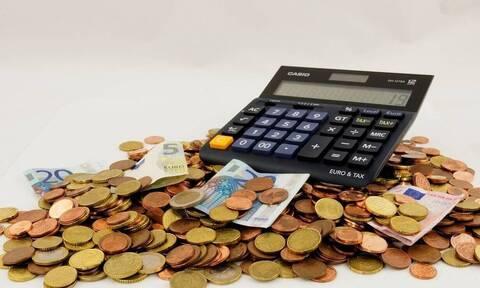 Πρόστιμα από 100 έως 500 ευρώ για όσους δεν υποβάλουν φορολογικές δηλώσεις έως τις 15/9