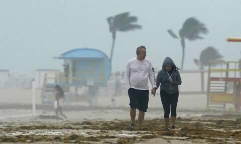 ΗΠΑ: Σε κατάσταση συναγερμού η Φλόριντα - Πλησιάζει η τροπική καταιγίδα Μίντι