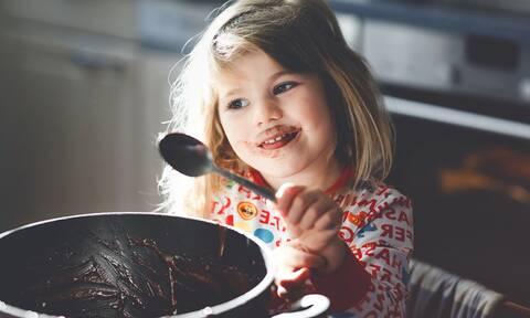 Σοκολάτα: Πόση να δίνετε στα παιδιά
