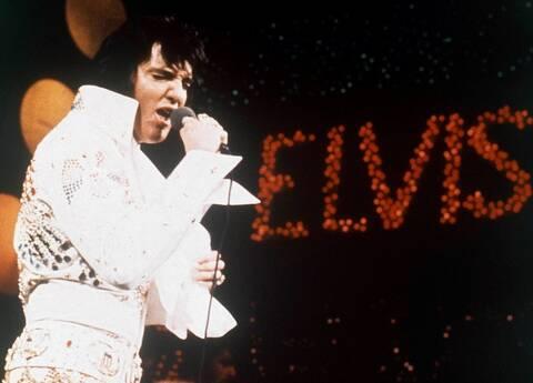 Πάνω από 1 εκατ. δολάρια για τη λευκή ολόσωμη φόρμα του Έλβις!