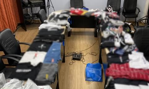 Επιτυχία της ΕΛ.ΑΣ.: Χειροπέδες σε εγκληματική οργάνωση που πουλούσε «μαϊμού» προϊόντα