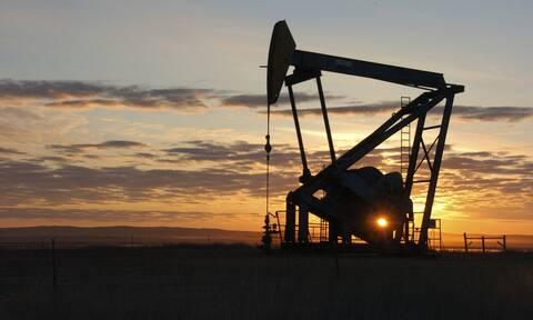 Νέα πτώση στη Wall Street - Απώλειες σημειώνει η τιμή του πετρελαίου