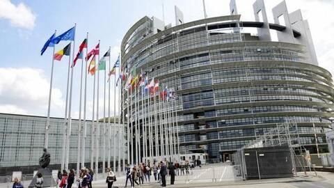 Ευρωβαρόμετρο: Κονδύλια ανάκαμψης μόνο για χώρες που σέβονται το Κράτος Δικαίου