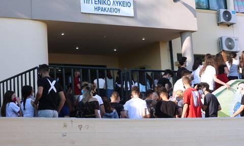 Σχολεία: Αγωνία για το πρώτο κουδούνι τη Δευτέρα – Πότε μπορεί να επιστρέψει η τηλεκπαίδευση