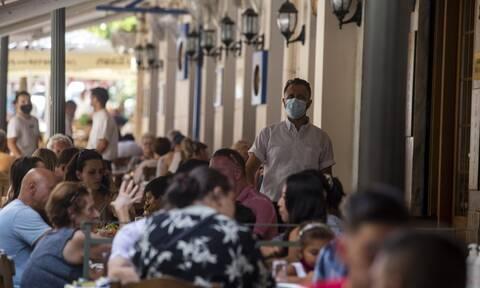 Εστίαση: Πώς θα μπαίνουν από Δευτέρα τα παιδιά έως 17 ετών σε καφετέριες και εστιατόρια