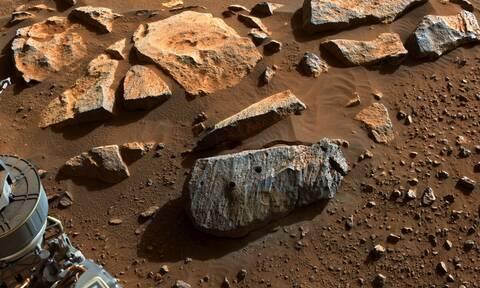 NASA: Μακρόχρονη έκθεση σε νερό «μαρτυρούν» τα πετρώματα του Άρη που συνέλεξε το Perseverance
