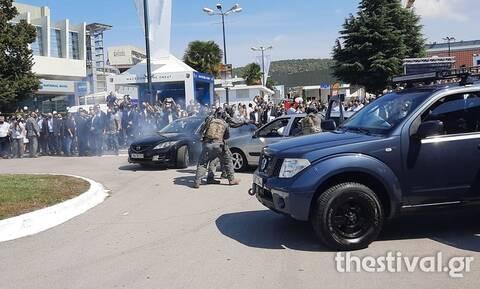 ΔΕΘ 2021: «Σύλληψη τρομοκράτη» μπροστά στον Μητσοτάκη – Εντυπωσίασαν οι κομάντο της ΕΛ.ΑΣ.