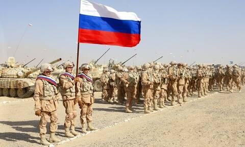 Η Ρωσία στέλνει τεθωρακισμένα και στρατιωτικό εξοπλισμό στα σύνορα Τατζικιστάν - Αφγανιστάν