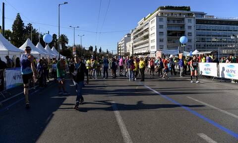 Σε εξέλιξη ο Ημιμαραθώνιος της Αθήνας: Ποιοι δρόμοι είναι κλειστοί για τους οδηγούς