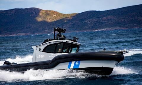 Πόρτο Χέλι: Αυτοκίνητο έπεσε στη θάλασσα - Στο νοσοκομείο μεταφέρεται ο οδηγός