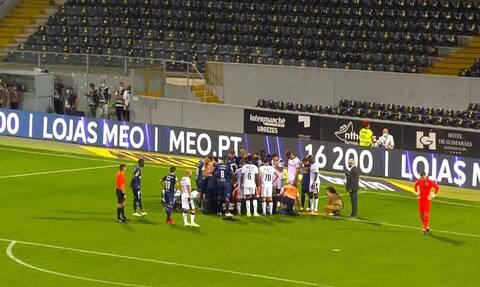 Κατάρρευση παίκτη στην Πορτογαλία - Έπεσε αναίσθητος μετά από χτύπημα στο κεφάλι