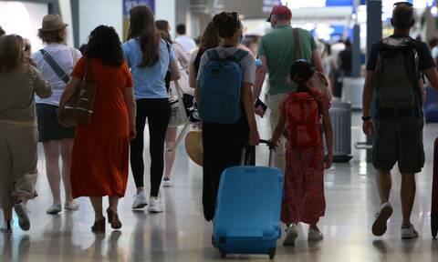 Ταξίδια με αεροπλάνο: Όλες οι αλλαγές - Τι ισχύει για τα παιδιά