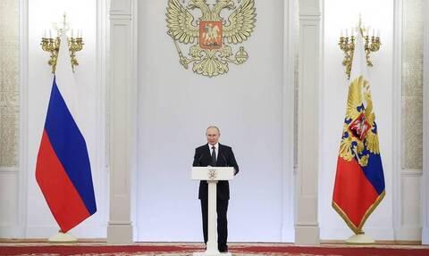 Путин в Кремле наградил победителей Паралимпиады в Токио