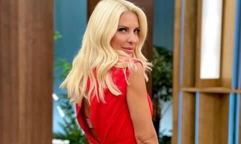Φωτιά στα κόκκινα! Πού θα βρεις το κόκκινο φόρεμα της Ελένης Μενεγάκη από την πρεμιέρα (photos)