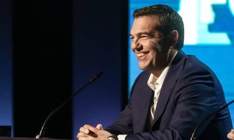Με βέλη εναντίον Μητσοτάκη και διαγραφή χρεών ανεβαίνει στη ΔΕΘ ο Αλέξης Τσίπρας
