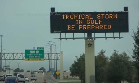 Προειδοποιήσεις για τον κυκλώνα Νίκολας