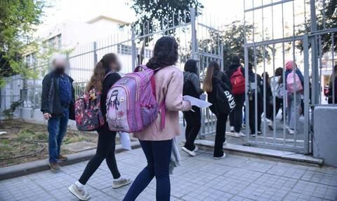 Βατόπουλος στο Newsbomb.gr: Με την μετάλλαξη «Δ» τα παιδιά νοσούν συχνά – Κάτι έχει αλλάξει