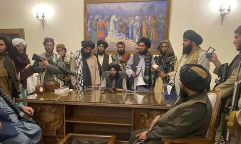 Oι Ταλιμπάν στο προεδρικό μέγαρο της Καμπούλ