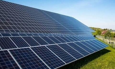 Οι αυξήσεις στις πρώτες ύλες εκτινάσσουν τις τιμές των φωτοβολταϊκών