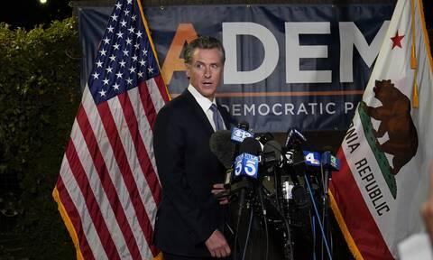 ΗΠΑ: Ο Δημοκρατικός κυβερνήτης «επιβίωσε» - Παραμένει στο τιμόνι της πολυπληθέστερης πολιτείας
