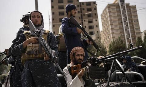 Ταλιμπάν: Eνα μήνα μετά την πτώση της Καμπούλ η οικονομική κρίση τους στοιχειώνει
