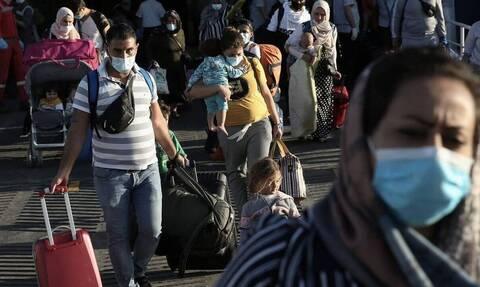 Υπουργείο Μετανάστευσης: Μειωμένοι κατά 81% οι διαμένοντες στα νησιά