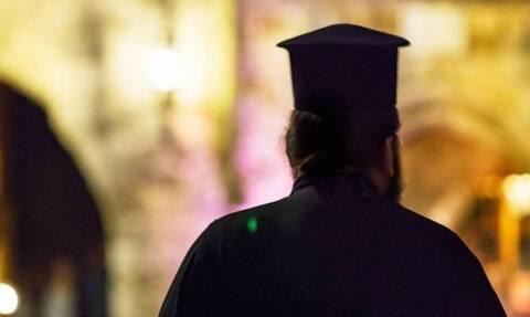 Πάτρα: Με κορονοϊό ιερέας που έκανε αγιασμό σε σχολείο