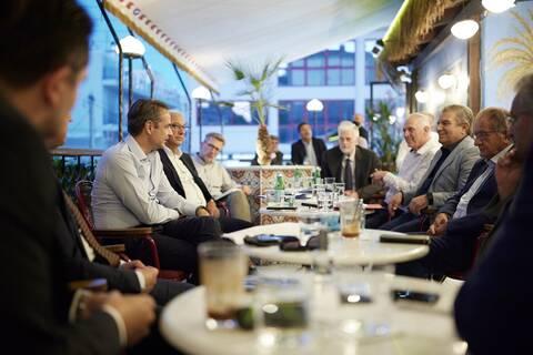 Συνάντηση Μητσοτάκη με τους δημάρχους της Δυτικής Αττικής - Τι συζητήθηκε