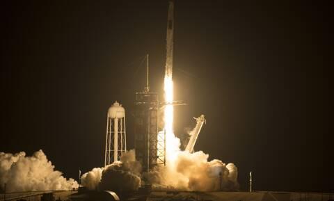 Ο Έλον Μασκ έγραψε ιστορία με την πρώτη τουριστική διαστημική αποστολή - Συγκλονιστικά βίντεο