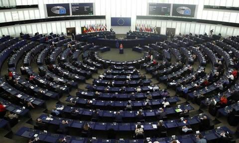 Европарламент утвердил доклад с призывом к пересмотру отношений с Россией