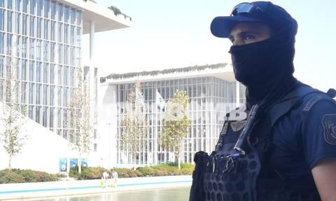 Eumed 9 - Ρεπορτάζ Newsbomb.gr: «Φρούριο» η Αθήνα και το «Σταύρος Νιάρχος» - Δεν περνάει κανείς!