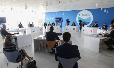 EUMED 9: Υποδέχτηκε τους ηγέτες στο «Στάυρος Νιάρχος» ο Κυριάκος Μητσοτάκης - Ξεκίνησε η Σύνοδος
