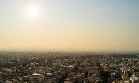 Καιρός Σαββατοκύριακο: Φθινοπωρινός καύσωνας με σκόνη από την Αφρική - Έως 37 βαθμούς η θερμοκρασία