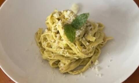 Συνταγή για ταλιατέλες λεμονάτες με πέστο από φυστίκι μέσα σε 5 λεπτά (Γράφει η Majenco)