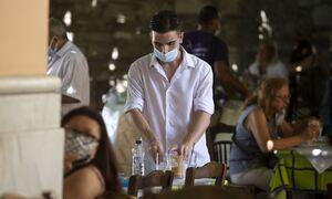 Έτσι θα αναχαιτιστεί ο κορονοϊός: Τρίτη δόση με mRNA εμβόλια και ταυτότητα στην... εστίαση