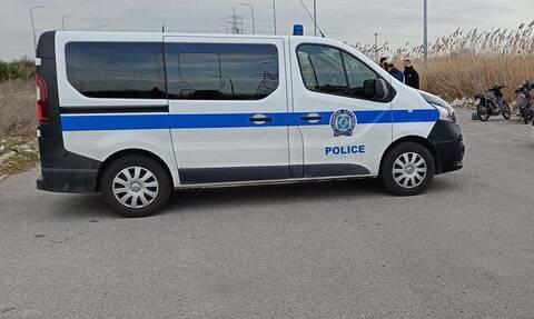 Μυτιλήνη: Μετέφερε 4,5 κιλά κοκαΐνης με «ξεκάρφωμα» τον 11χρονο γιο της και σφραγίδα «Dior»