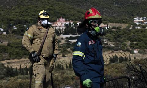 Φωτιά στα Λεχαινά: «Μάχη» για τον περιορισμό της