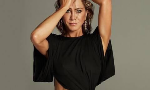 Jennifer Aniston: Αποκάλυψε πού εργαζόταν πριν πρωταγωνιστήσει στα Φιλαράκια
