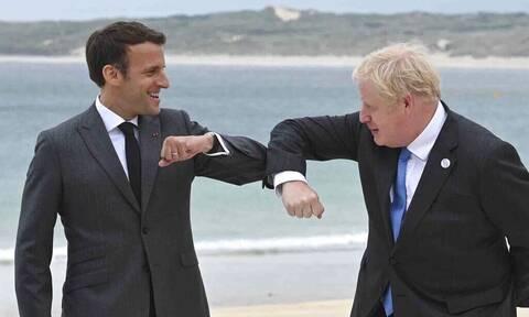 AUKUS: Ο Μπόρις Τζόνσον επιδιώκει εξομάλυνση της έντασης με τη Γαλλία